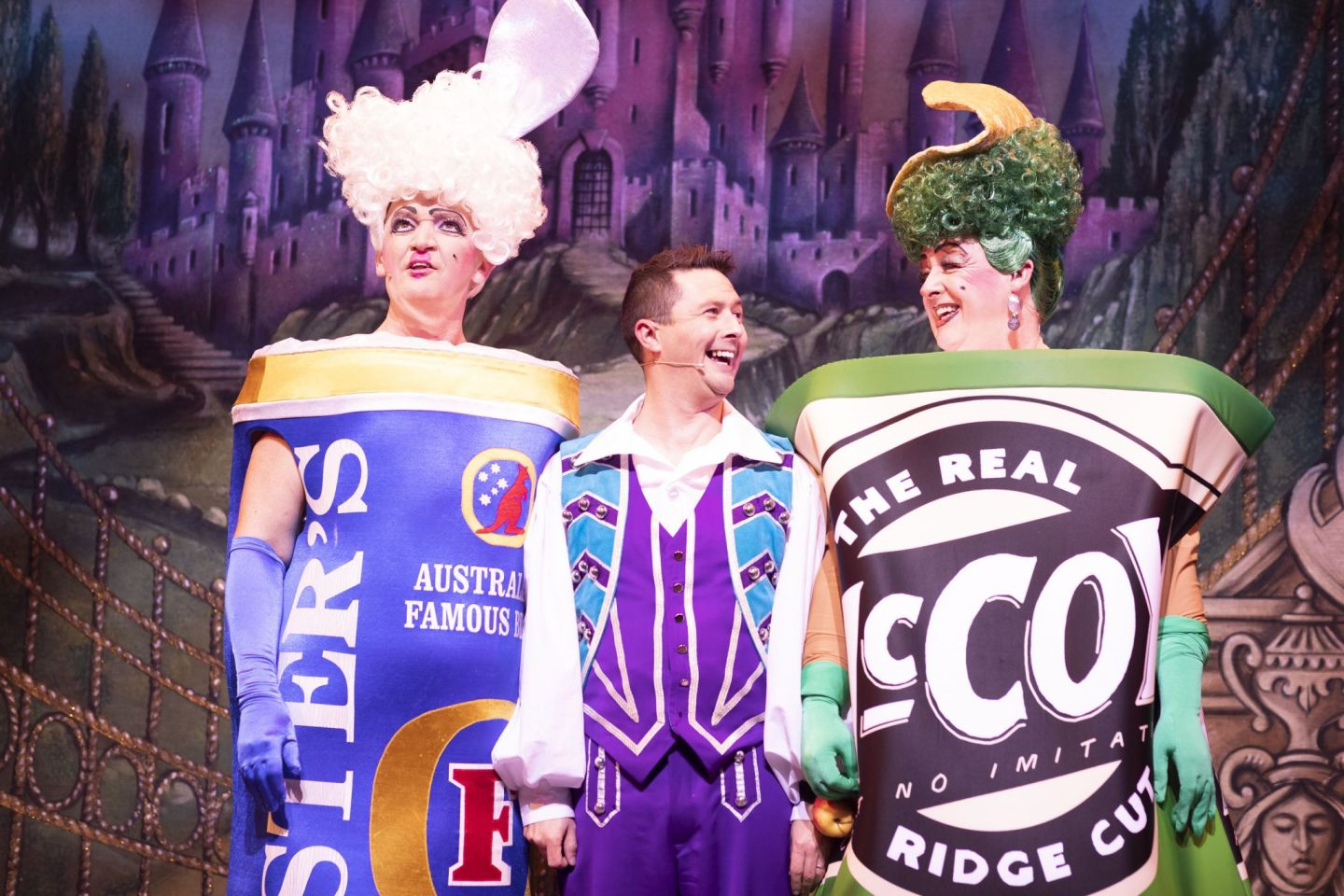 Cinderella-Connor-McIntyre-Ben-Nickless-Les-Dennis-Ugly-Sisters-and-Buttons