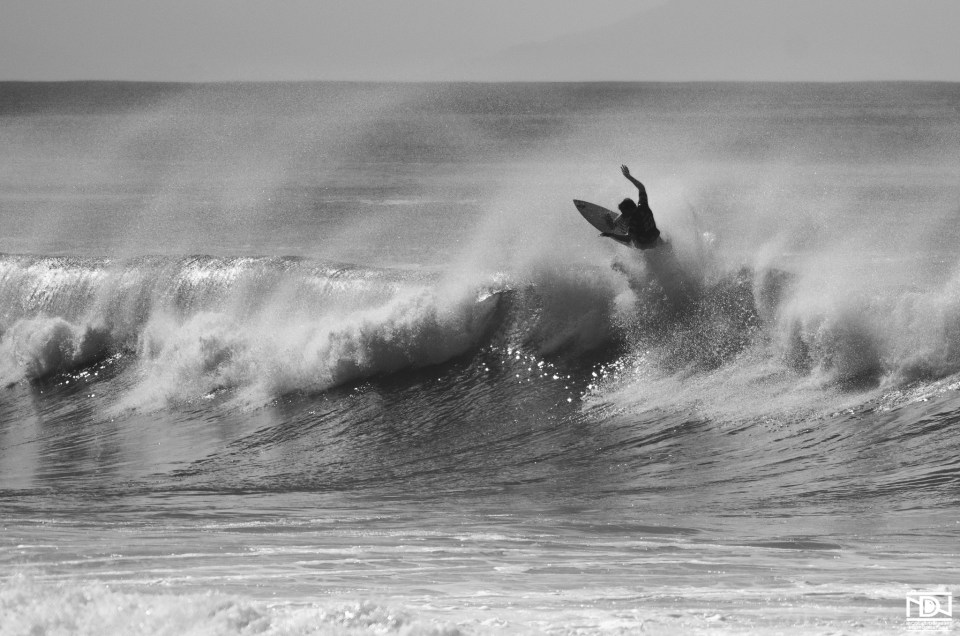 Black and White Surf Action – Partie 2