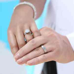 wedding rings photo in san diego california