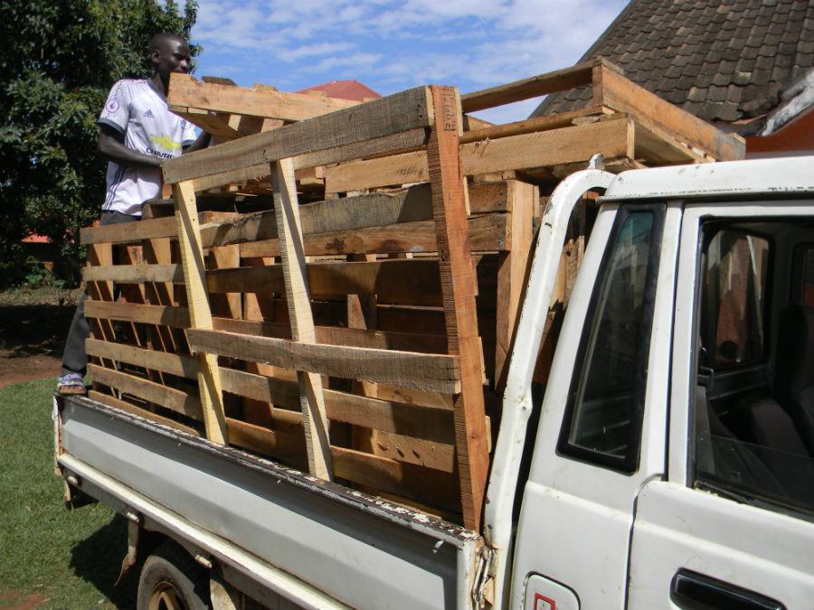 Travel Log Uganda, Day 6-7: Pallets!