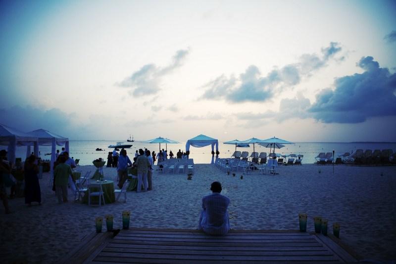 ritz carlton gramd cayman weddings 31