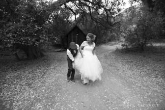 temecula creek inn weddings photo by Nicole Caldwell stonehouse 1182