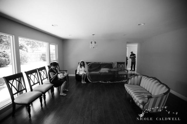 getting-ready-wedding-photos-by-nicole-caldwell-01