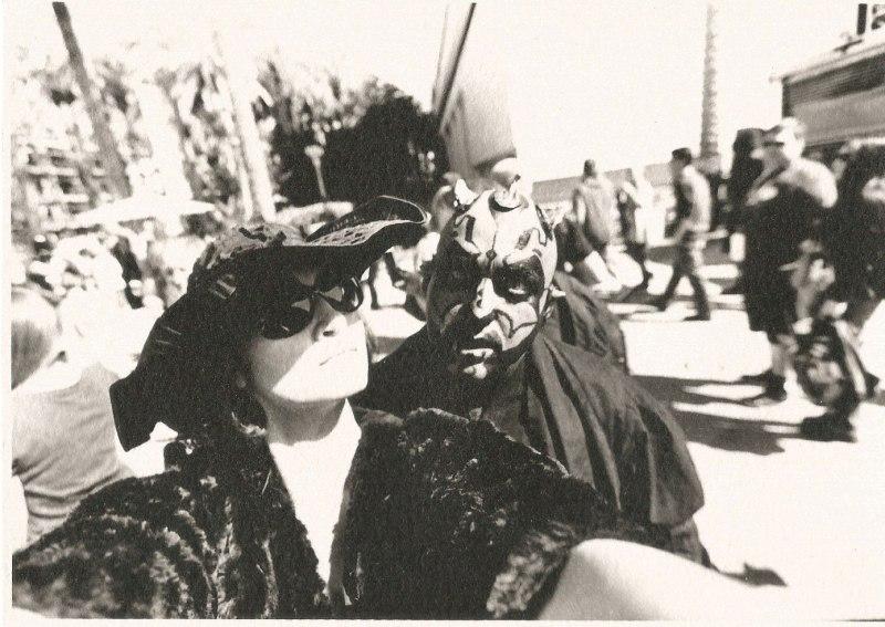 marla singer tourist selfies darth maul cosplay star wars
