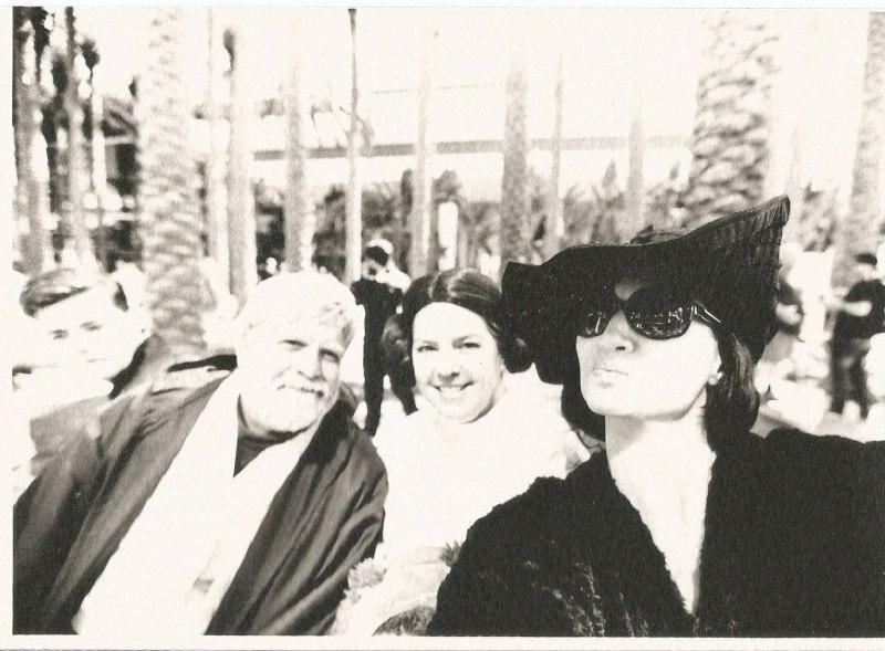 marla singer tourist selfies star wars family cosplay