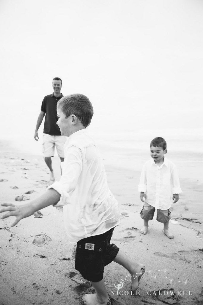 Huntinton_beach_pier_locations_for_family_photographs_nicole_caldwell_studio18