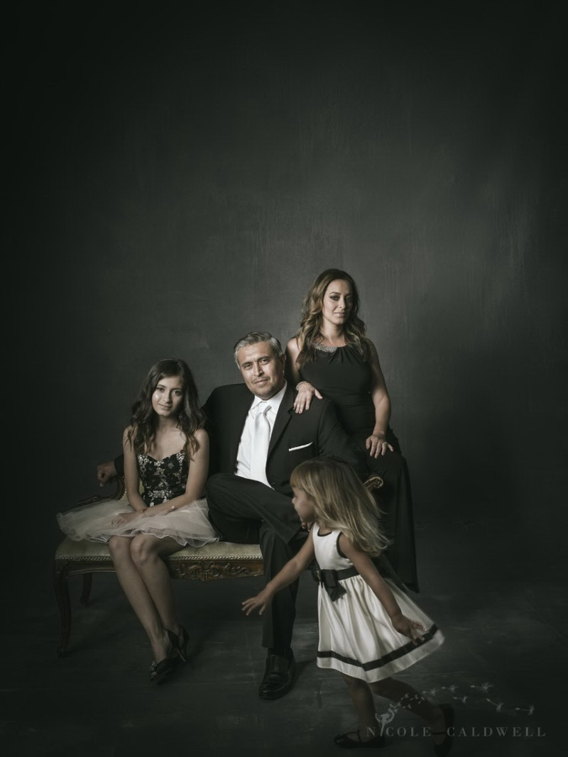photography-studio-formal-famliy-photographs-nicole-caldwell-09 (2)