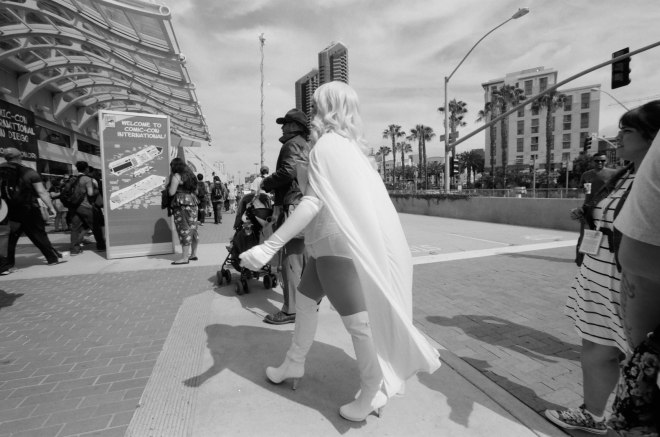 comic-con-san-diego-black-and-white-film-photographs-Nicole-Caldwell-08