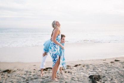 laguna-beach-engagement-photo-locations-crystal-cove-beach-07