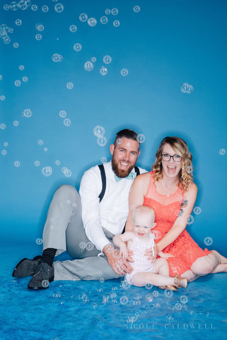bright-colored-backdrop-studio-family-photo-ideas-nicole-caldwell-19