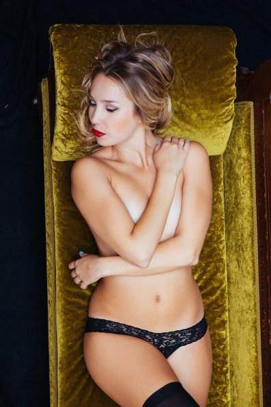 top orange county boudoir photography studio female photographer nicole caldwell boudoir natural light