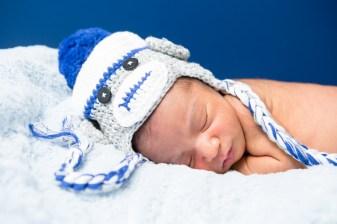 in home newborn photographs by nicole caldwell 04
