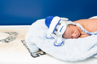 in home newborn photographs by nicole caldwell 05