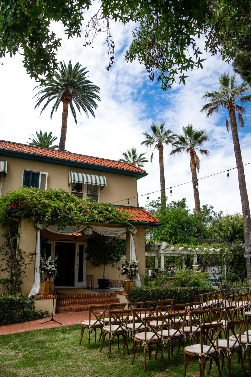 French Estate wedding photographer orange exterior shot