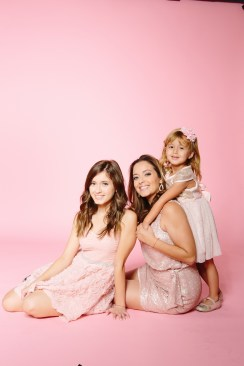 mother daughter portraits photography studio pink backdrop 13