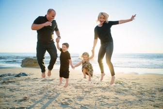 family beach photographer laguna beach crystal cove nicole caldwell16