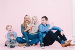fun different family photos ice cream studio photographs nicole caldwell 11