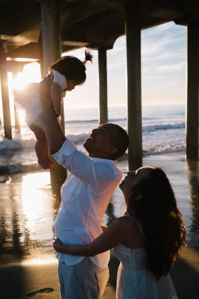 huntington beach pier family photos nicole caldwell 02