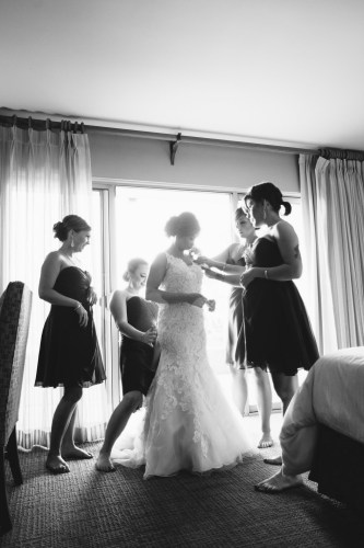 temecula wedding photographer creek inn bride in room