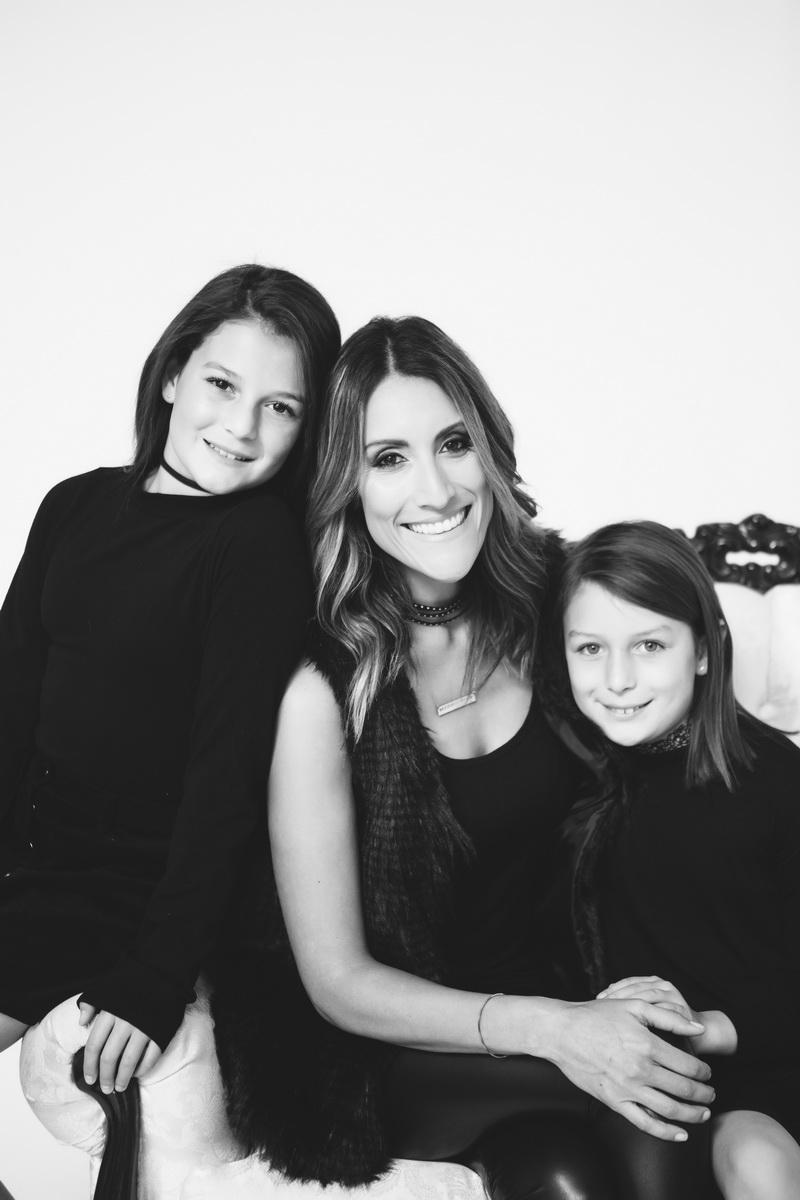 mother-daughter-photos-photogrphay-studio-nicole-caldwell-orange-county-08