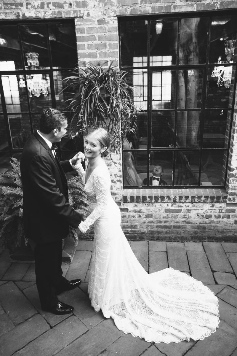 wedding first look carondelet house