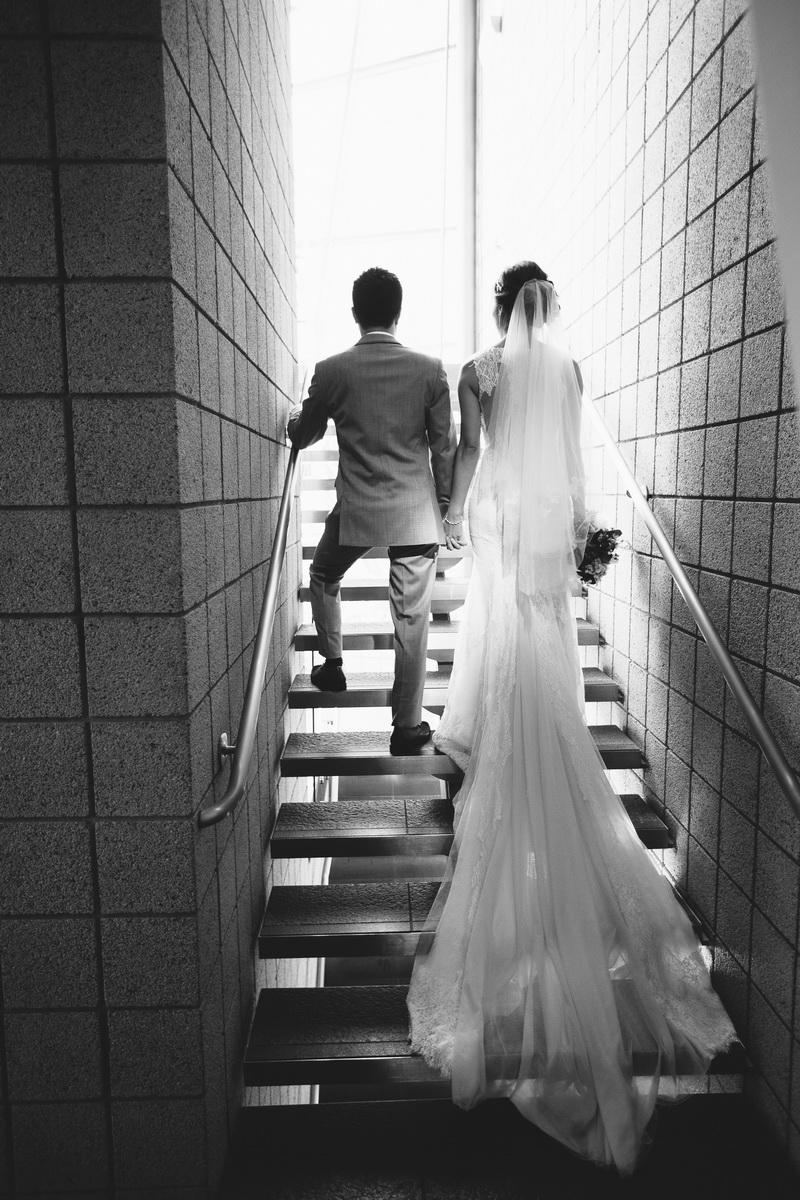 seven degrees wedding laguna beach photographer nicole caldwell couple on stairs