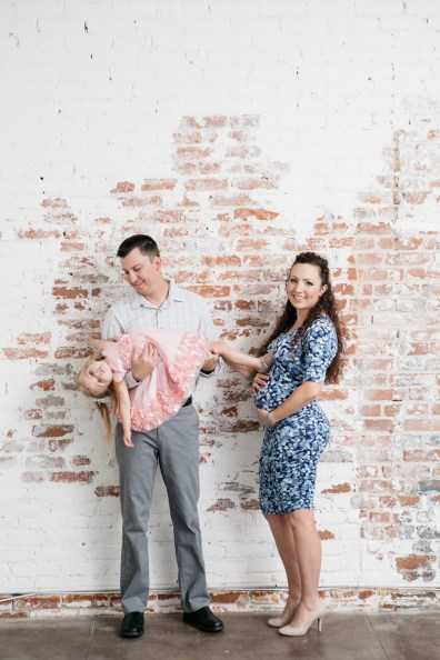 maternity and gender reveal photo shoot nicole caldwell photography studio 12