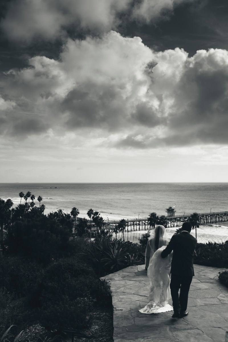 casa romantica san clemente wedding photographer artistic brie and groom