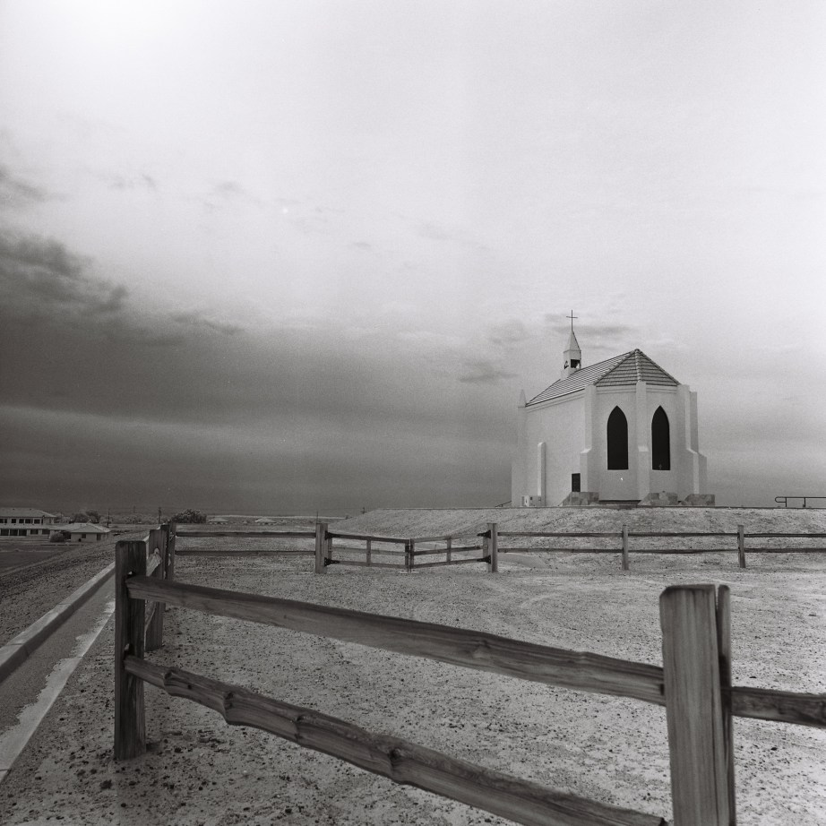infrared_film_rollei_center_of_the_wrold_felicity_ca_nicole_caldwell06