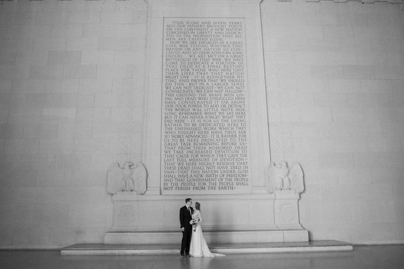 lincoln memeorial bride and groom washington dc wedding and elopement by nicole caldwell