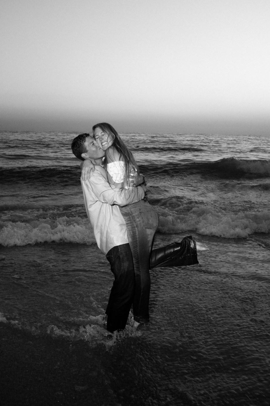 engagement photos in laguna beach nicole caldwell photographer17
