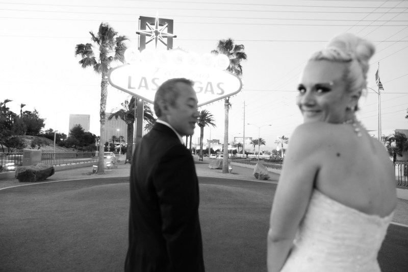Las_vegas_wedding_trash_the_dress_10_year_anniversary_nicole_caldwell_photographer48