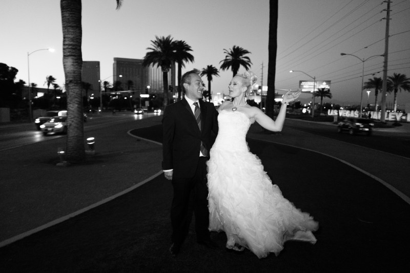 Las_vegas_wedding_trash_the_dress_10_year_anniversary_nicole_caldwell_photographer54