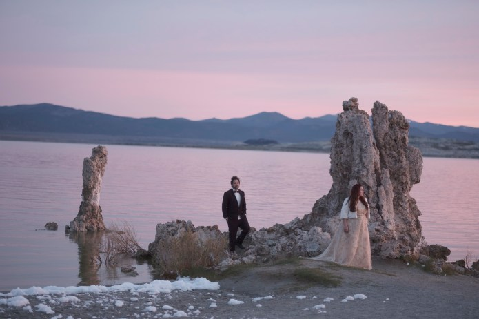 TRASH tHE DRESS WEDDING PHOTOGRAPHER NICOLE CALDWELL 01