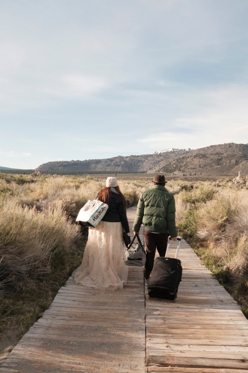 TRASH tHE dRESS wedding photographer nicole caldwell destintaion CA 01
