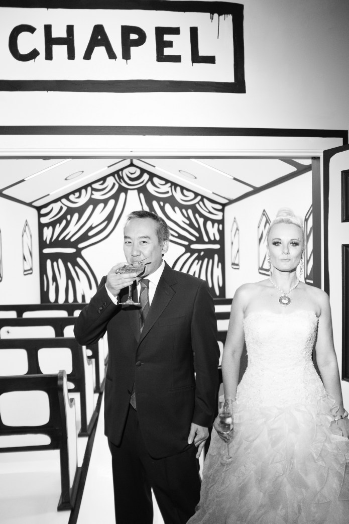 las vegas wedding photographer nicole caldwell palms pop up chapel jose vides