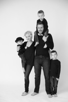 modern black and white family photography orange county nicole caldwell 04