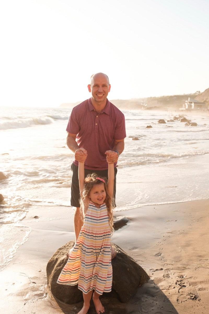 laguna beach family photographer nicole caldwell 11 cyrysal cove candid journalistic