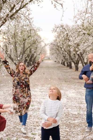 almond bloom family photographer nicole caldwell 09