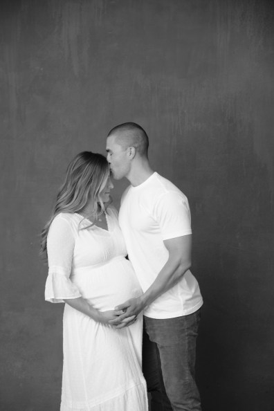 maternity in studio photogarpher orange county nicole calwell 04