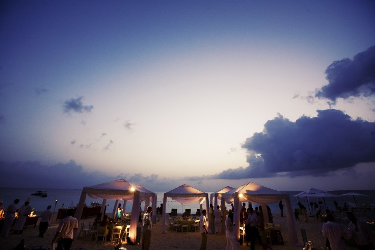 ritz carlton gramd cayman weddings 32