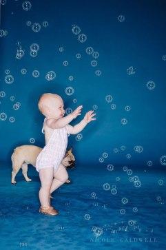 bright-colored-backdrop-studio-family-photo-ideas-nicole-caldwell-14