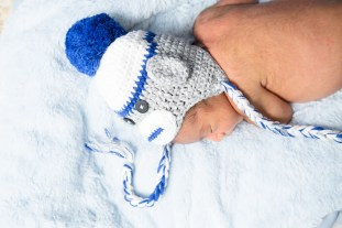 in home newborn photographs by nicole caldwell 03