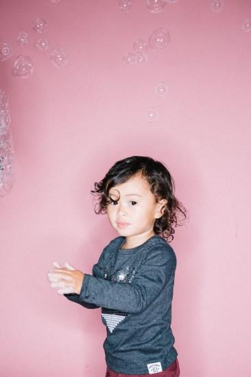 kids in bubbles photography studio nicole caldwell 05