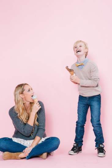 fun different family photos ice cream studio photographs nicole caldwell 07