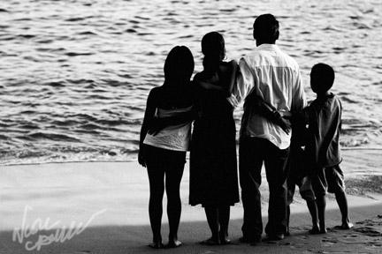 laguna_beach_family_portrait_by_nicole_caldwell_photography_01.jpg