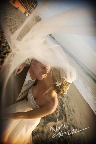 surf_and_sand_wedding_pictures__aguna_beach_ny_nicole_caldwell_ts_02.jpg