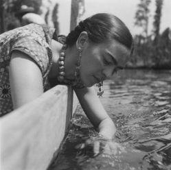 © 1937 Fritz Henle - Frida Kahlo, Mexico