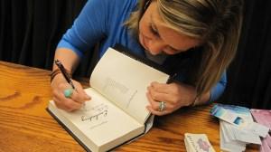 Alyson noel book signing