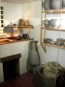 Replica of a Roman kitchen by Linda Spashett (Storye book) (Own work) [CC-BY-3.0 via Wikimedia Commons